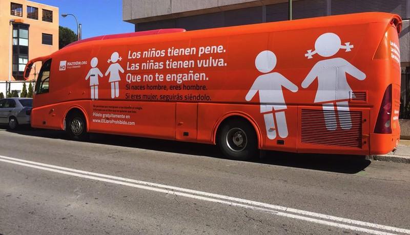 Hazte Oir elkartearen autobusa udalerrira sartzea eragozteko eskatu dio alkateak Getxoko Epaitegiari