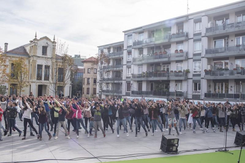 Euskararen alde dantza egin dute Getxoko Aixerrotako ikasleek - 6
