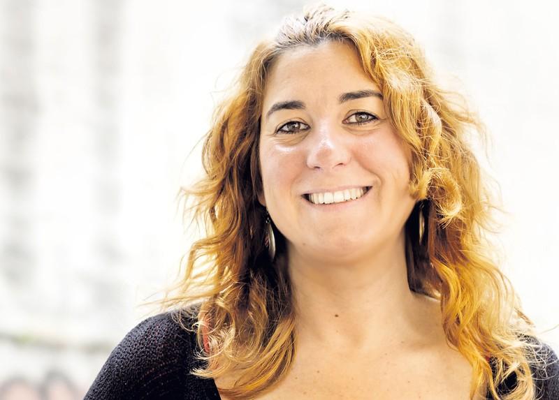 """Erika Bilbao Barcena: """"Amaitu barik dagoen gatazka baten gerra-trofeoak gara"""""""