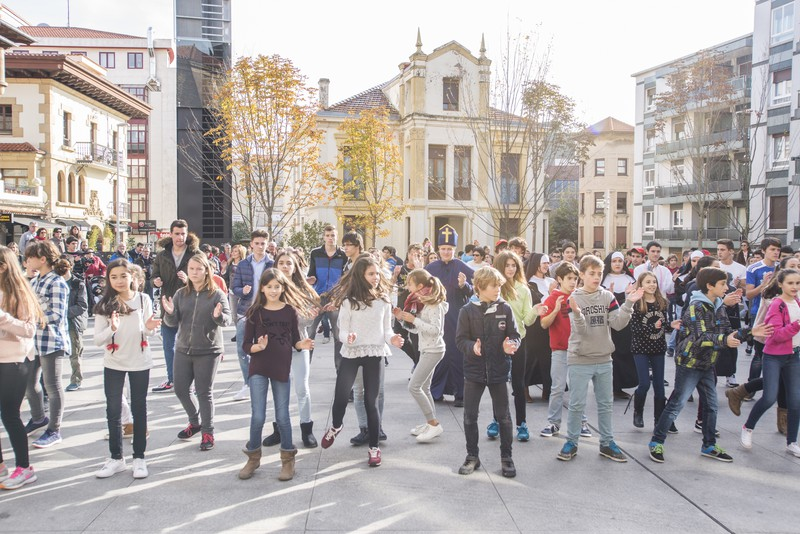 Euskararen alde dantza egin dute Getxoko Aixerrotako ikasleek - 18