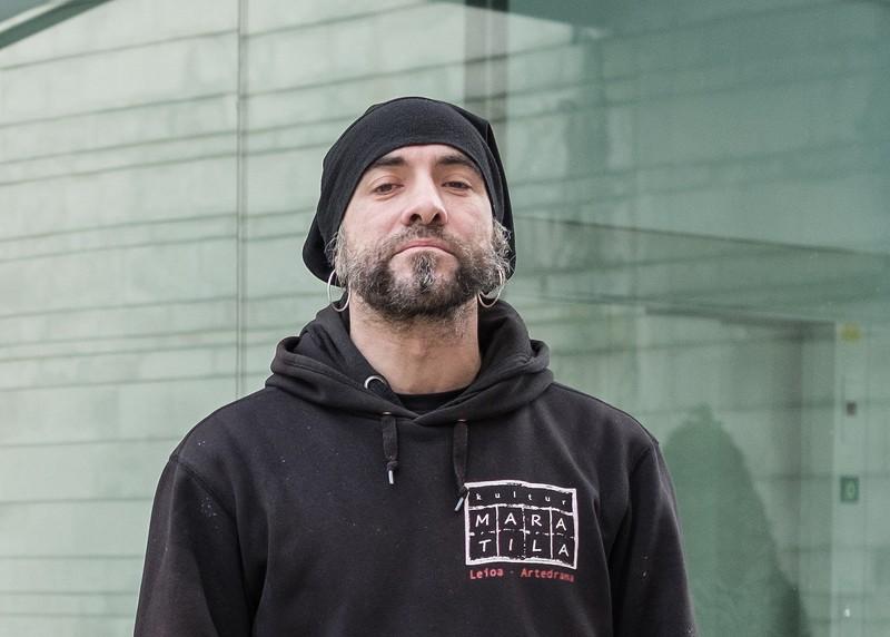 """Iñaki Ziarrusta: """"Egunero jasaten dugun biolentzia subliminala da"""""""