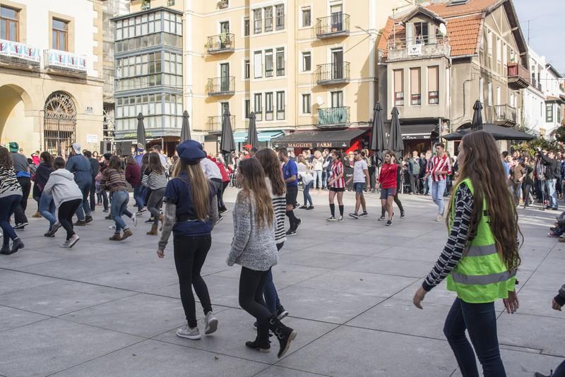Euskararen alde dantza egin dute Getxoko Aixerrotako ikasleek - 23