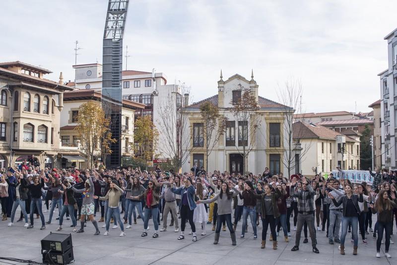 Euskararen alde dantza egin dute Getxoko Aixerrotako ikasleek - 3