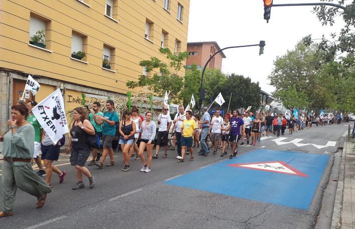 Presoen aldeko ekimenak 400 pertsona baino gehiago batu zituen Uribe Kostan
