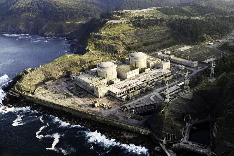 Arrain-haztegia egin gura dute Lemoizko zentral nuklearrean