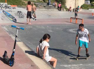 Getxoko skaterrek La Kantera eta Areetako parkeen erabilera mugatzeko eskatu diote Udalari