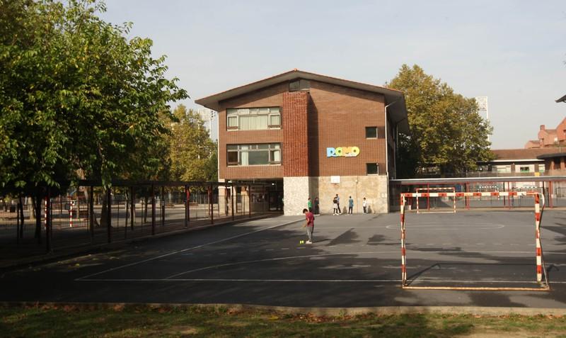 Eskola-orduetatik kanpo ikastetxeetako instalazioak erabiltzeko zerbitzua luzatu du Getxoko Udalak