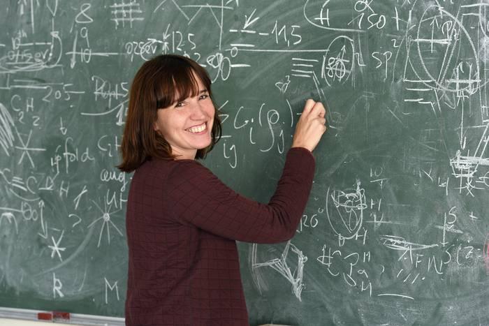 """Maia Garcia-Vergniory: """"Garrantzitsua da emakume fisikarien lorpenak ikusaraztea"""""""