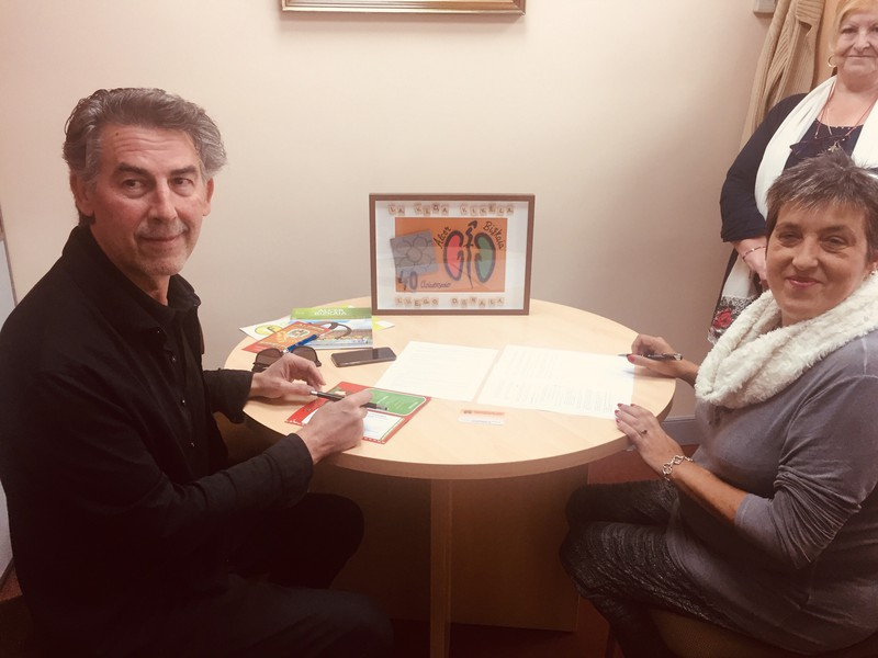 Stock Euskadi azokak 3.000 euro emango dizkio giltzurruneko gaixoen Bizkaiko elkarteari