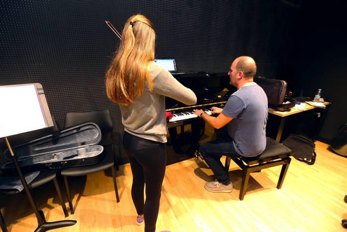 Ahots- eta piano-errezitaldia, Areetako Andres Isasi musika eskolan