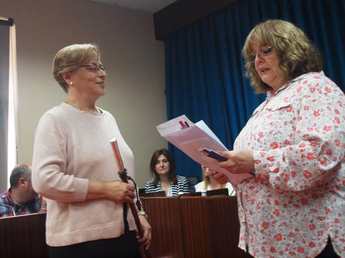EAJren botoak nahikoak izan dira Mari Carmen Urbieta alkate izendatzeko