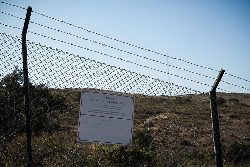 [ARGAZKI-GALERIA] NATOk Rigonella herrian daukan base militarra bisitatu du Mugak Zabalduz Karabanak - 2