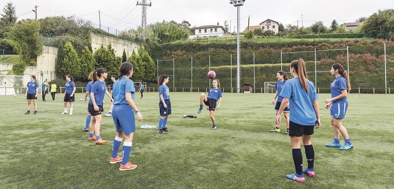 Erandioko futbol-taldeek partiduetara mugitu dute euskararen aldeko erronka
