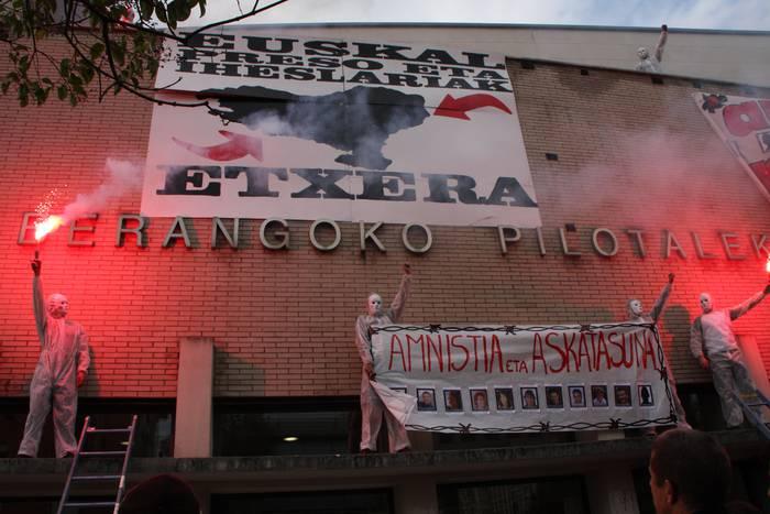 Patxi Ruiz Txantreako presoaren aldeko borroka abiatu dute Cotanok eta Aginagak