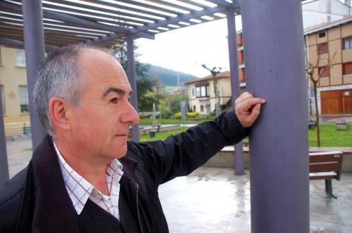 """Joseba Butroe: """"Euskara ez da existitzen; hizkuntza bat existitzen da pertsona bakoitzak hitz egiten duen neurrian"""""""