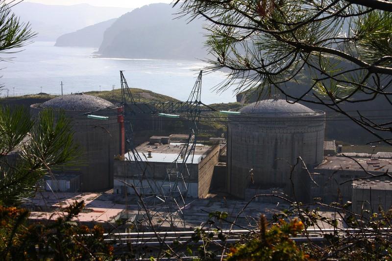 Lemoizko zentral nuklearreko lurrak berreskuratzea gura dute Batzar Nagusiek