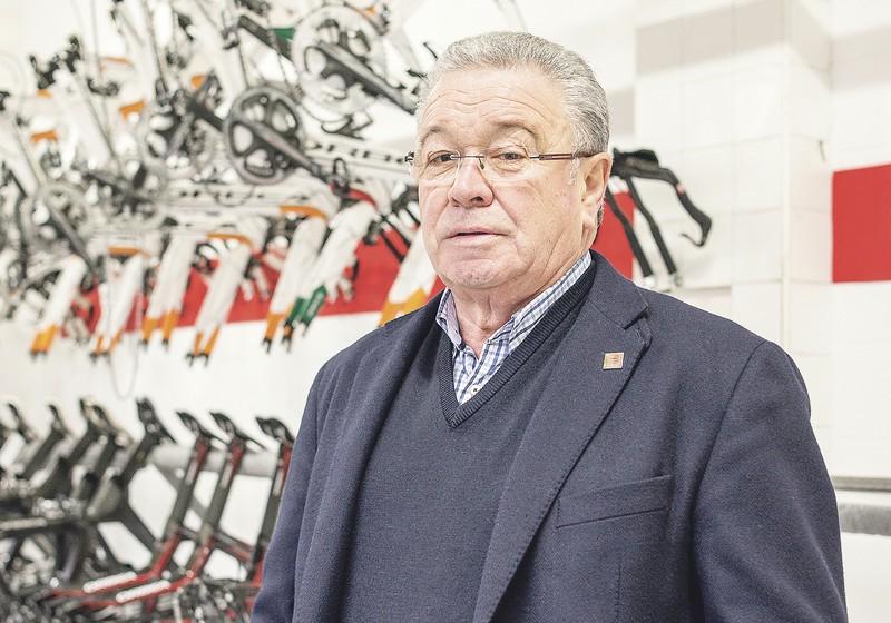 Miguel Madariagak Euskadi Fundazioaren lekukoa pasa dio Mikel Landari