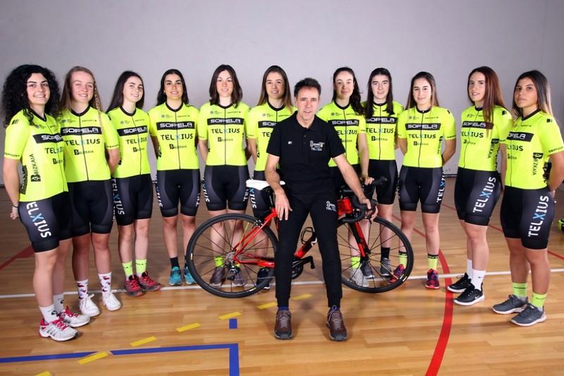 Sopela Women's Team txirrindularitza-taldea aurkeztu dute