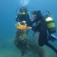 Portu Zaharreko itsas hondoa garbitzeko ekimena antolatu dute domekarako