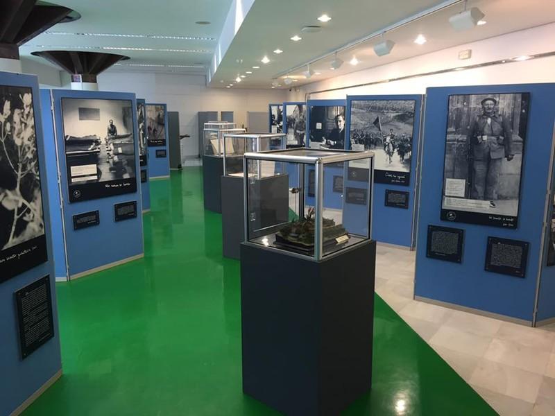 Gerra Zibilaren gaineko irudi-erakusketa inauguratu du gaur Erandioko Udalak