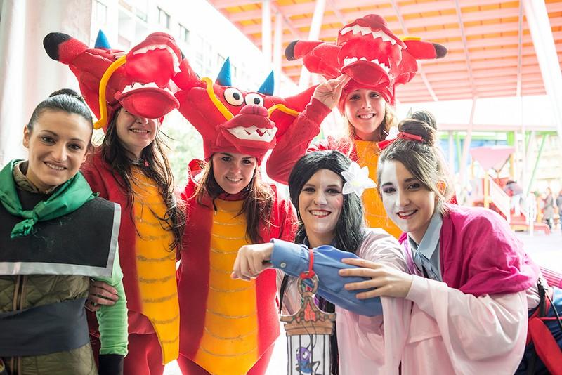 Mozorro-jaiaren azkenengo geltokia: Danontzat gaztetxeko inauteri tematikoak