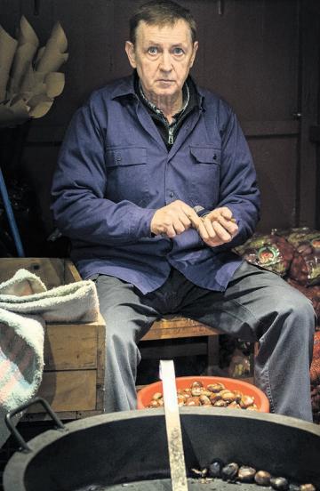 Jose Luis López: «Euria egonda ere, ezin hutsik egin egunero etortzen direnei»