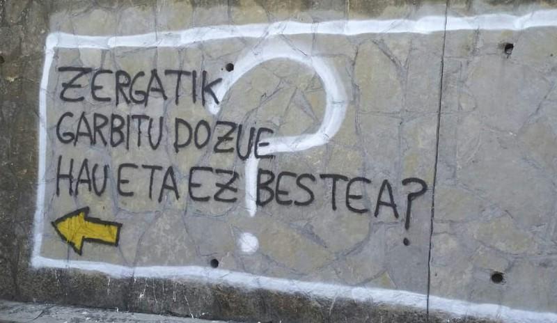 Elkarretaratzea egingo dute zapatuan Sopelan muralak ezabatzeagatik protestatzeko