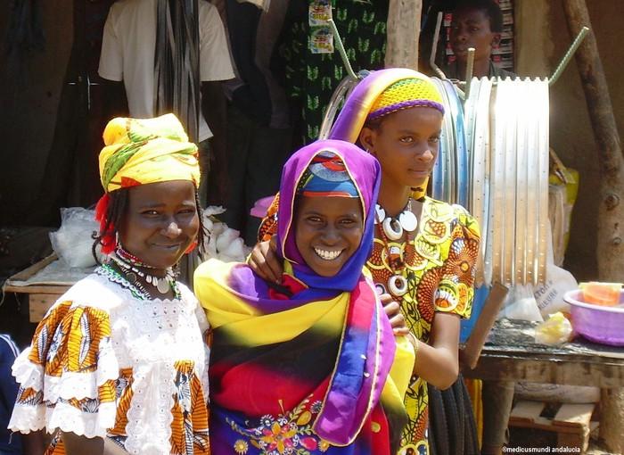 Burkina Faso: zero tolerantziarantz emakumezkoen ebaketa genitalean