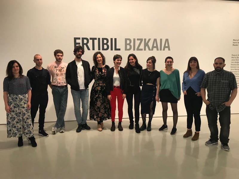 Uribe Kostak lau ordezkari dauzka Ertibil erakusketan