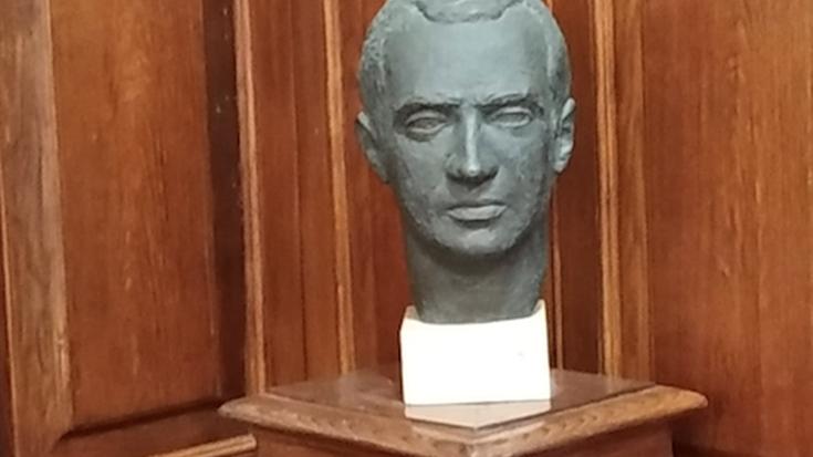 Juan Carlos Borboikoaren bustoa Getxoko osoko bilkuren aretotik kentzea onartu du Udalbatzak