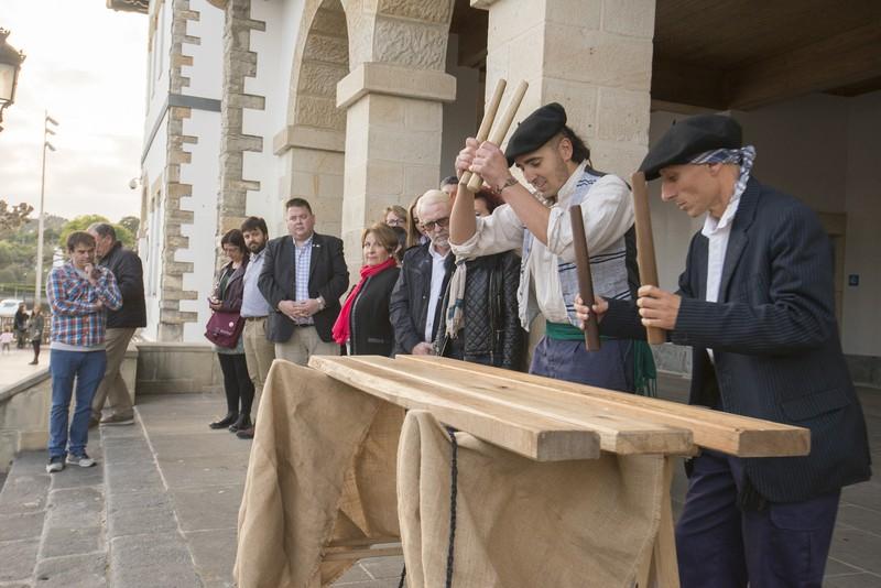Ternuako Placentiagaz ofizialki senidetzea onartu du Plentziako Udalak