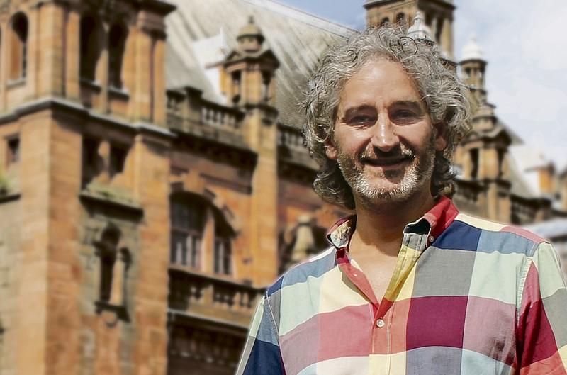 """Iñigo Garrido Rey: """"Arteari dioten  begiruneak  eraman ninduen Glasgowra"""""""