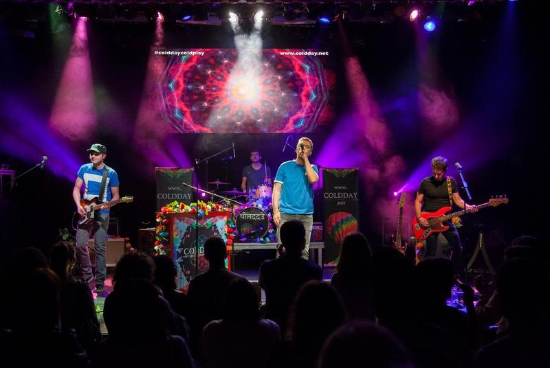 Coldplay taldearen kantak entzun ahal izango dira Astrabuduan, zapatuan