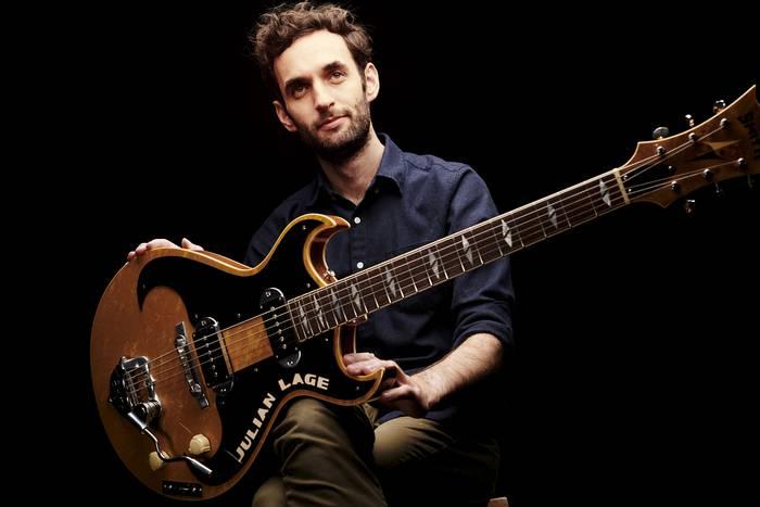 Julian Lage gitarra-jotzailea, gaurko protagonista Getxoko Jazzaldian