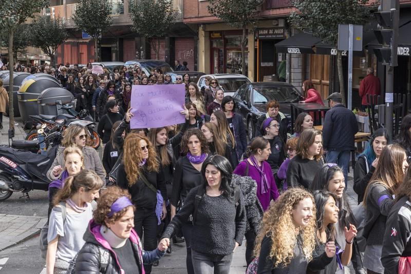 """Mugimendu Feminista: """"Garaipena izan da gaurkoa eta hau hasi besterik ez da egin"""""""
