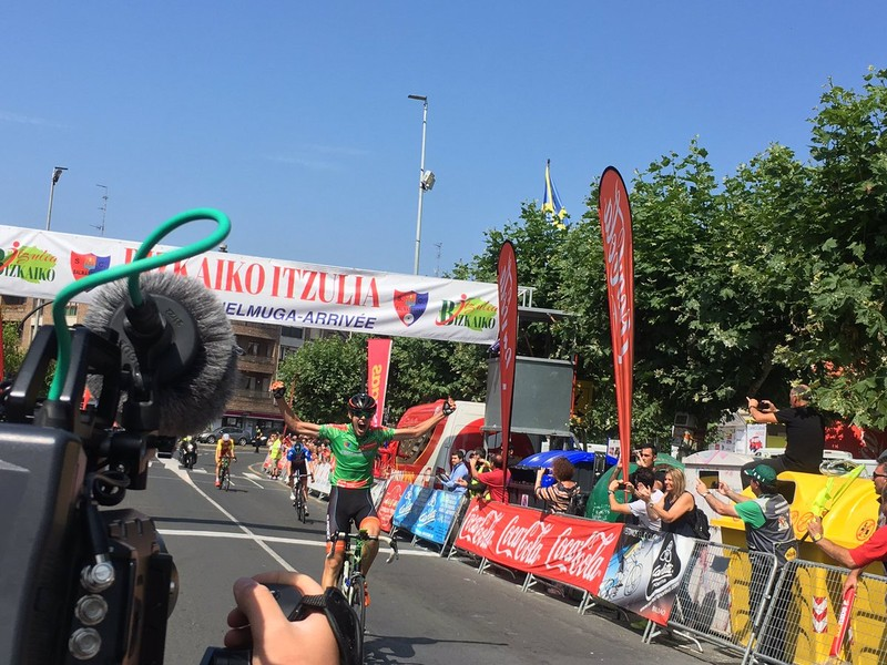 Lazkanok irabazi du Sopelan, eta Healyk, Bizkaiko Itzulian