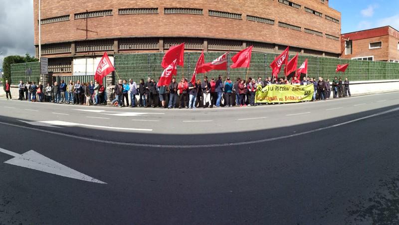Cables Y Alambres enpresan ematen den LABen aurkako jazarpen sindikala salatu dugu - 2