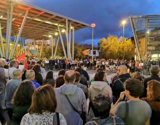 Kondenatutako buruzagi katalan independentistei babesa adierazteko mobilizazioak egingo dituzte gaur