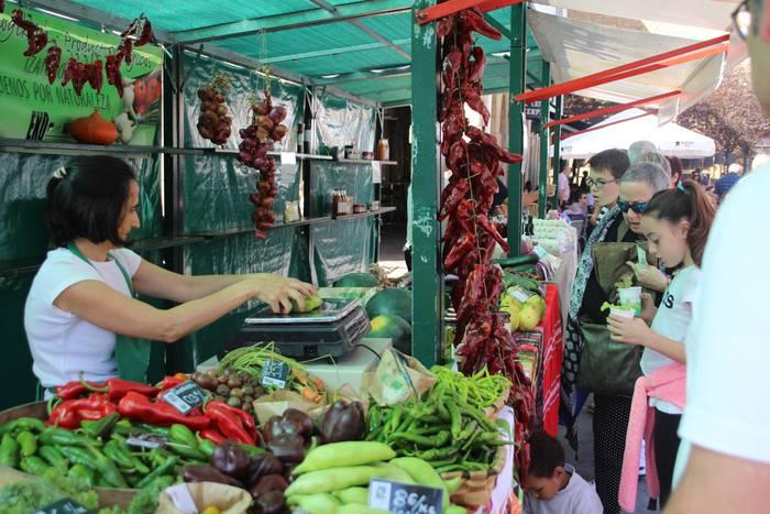 Mungiako Nekazaritza Ekologikoaren Azoka, gertuko produktuak eta zozketak