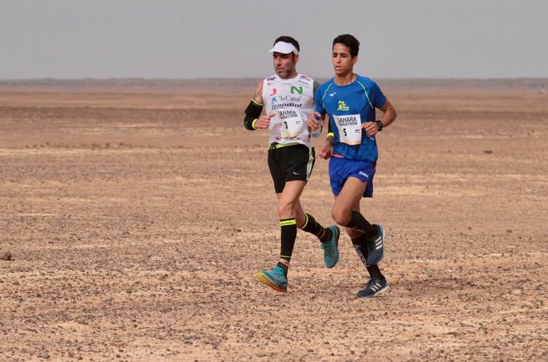 Saharako maratoian hirugarren sailkatu da Jon Salvador, bost saihets-hezur hautsi eta hiru hilabetera