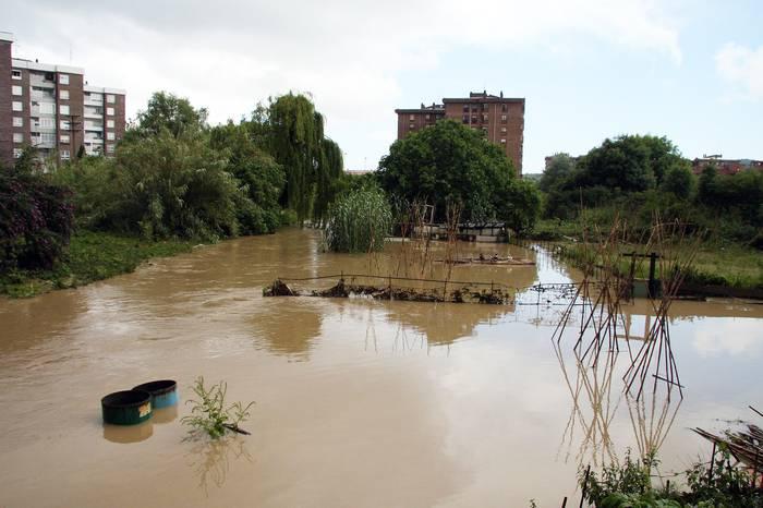 Uribe Kostako hainbat auzo urpean gera litezke klima-aldaketaren eraginez