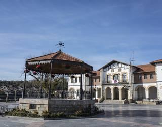 Tirabirak Plentziako osoko bilkuraren kudeaketaren harira