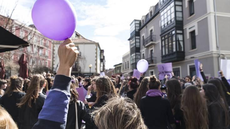 """""""Antolatu indarrak, batu borroka feministara"""""""
