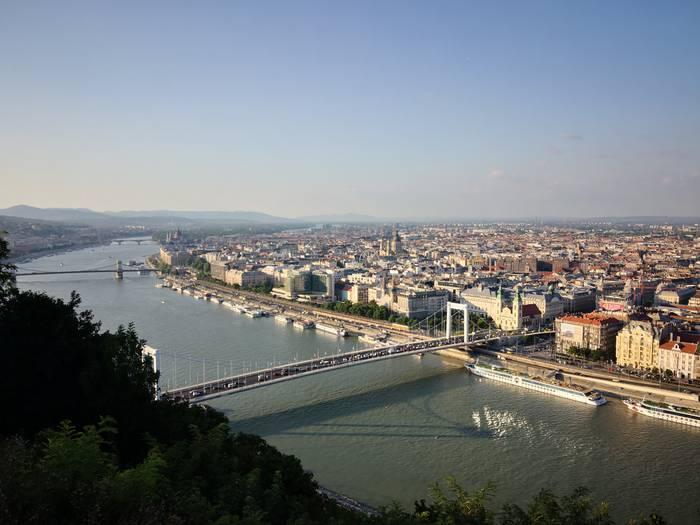 Budapest, airetik