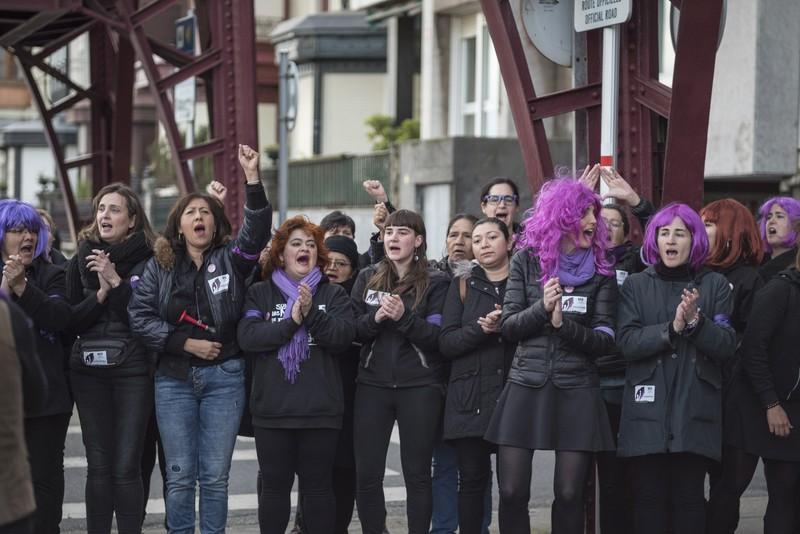 """Gaurkoan """"mundua geldituko"""" duela aldarrikatu du mugimendu feministak"""