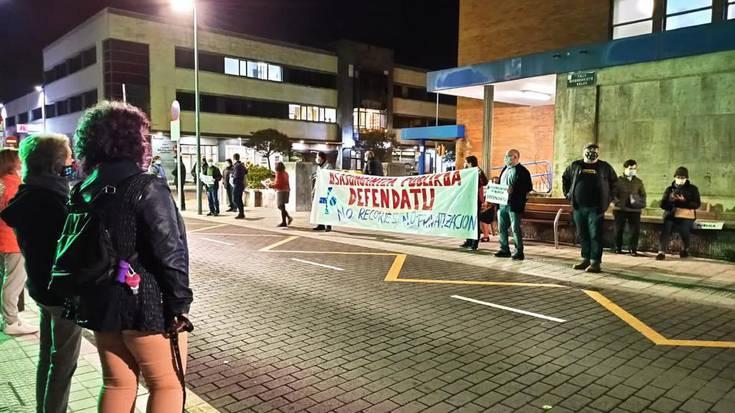 Kalitatezko osasungintza publikoaren aldeko mobilizazioak egin dituzte Uribe Kostan